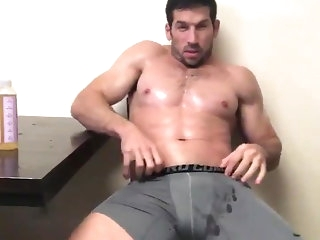 hunk (gay) big cock (gay)
