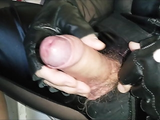 bear (gay) Adroit Leo wanking his big cock bdsm (gay)